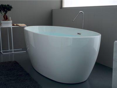 bath-tub-7429(4)_990X558_90
